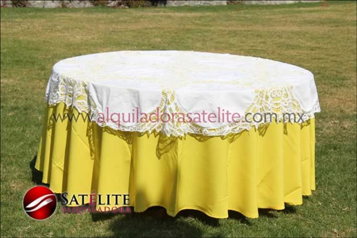 Mantel redondo amarillo brujas 1