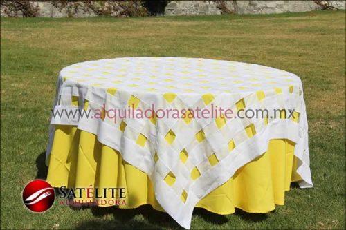 Mantel redondo amarillo entrelazado blanco