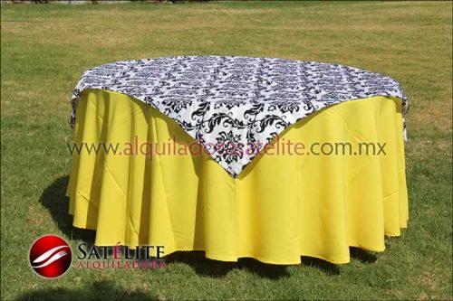 Mantel redondo amarillo estampado blanco y negro