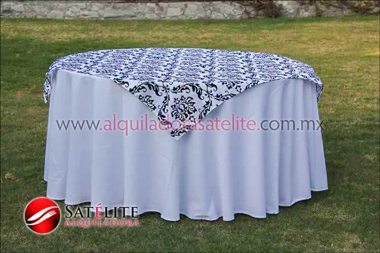 Mantel redondo blanco estampado blanco y negro