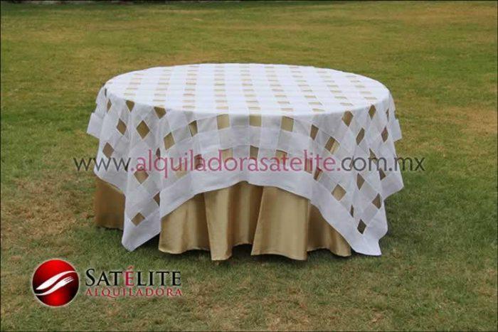 Mantel redondo dorado entrelazado blanco