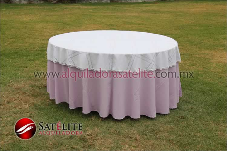 Mantel redondo lila deshilado blanco