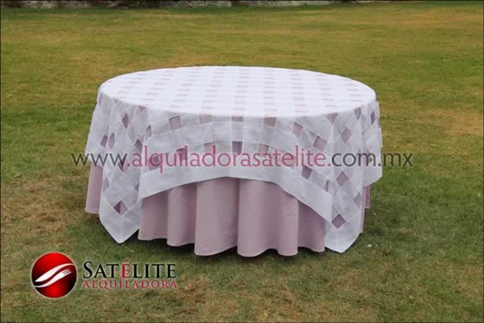 Mantel redondo lila entrelazado blanco