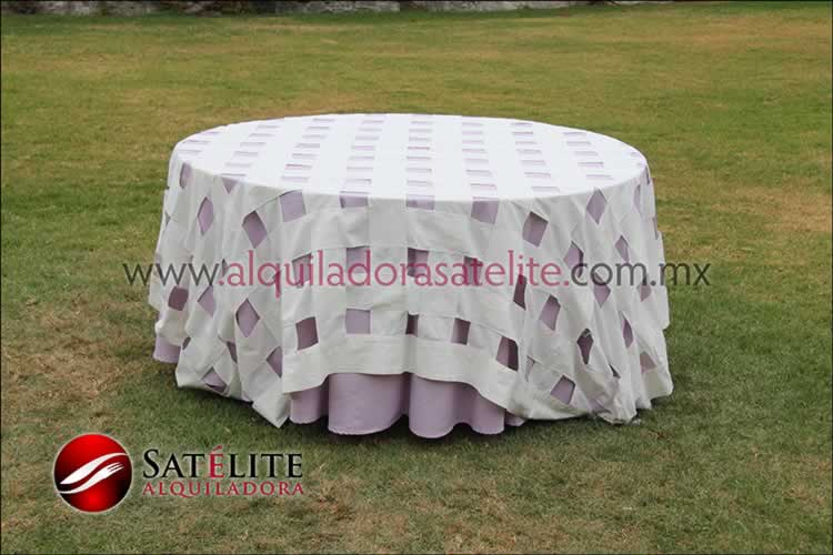 Mantel redondo lila entrelazado manta