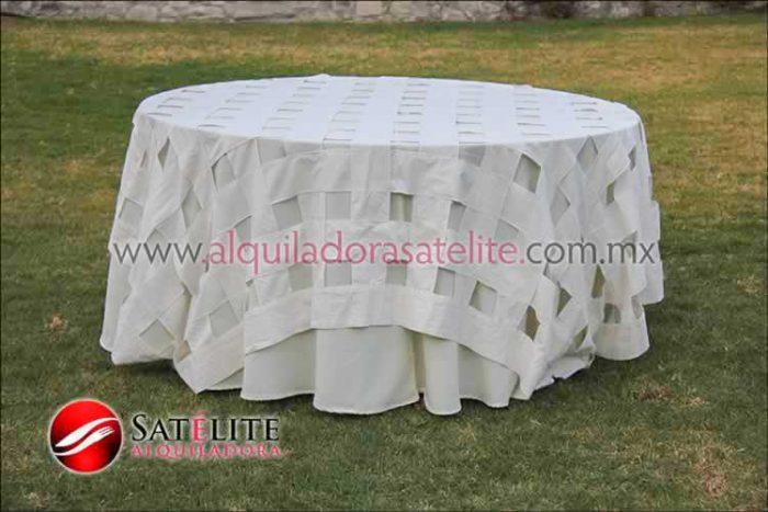 Mantel redondo marfil entrelazado manta