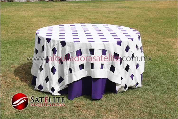Mantel redondo morado entrelazado manta