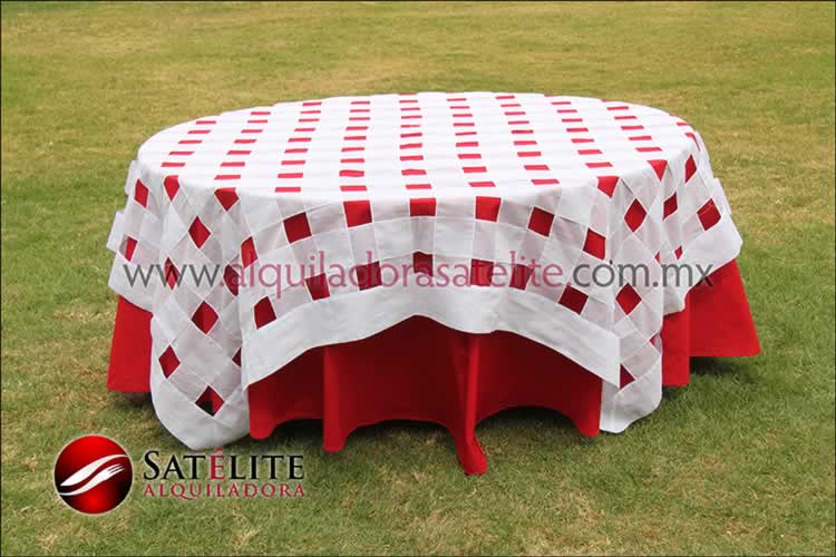 Mantel redondo rojo entrelazado blanco