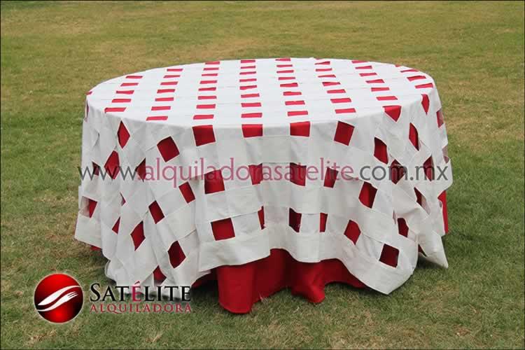 Mantel redondo rojo entrelazado manta