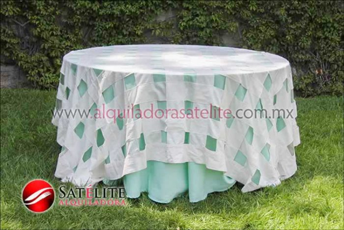 Mantel redondo verde agua entrelazado manta