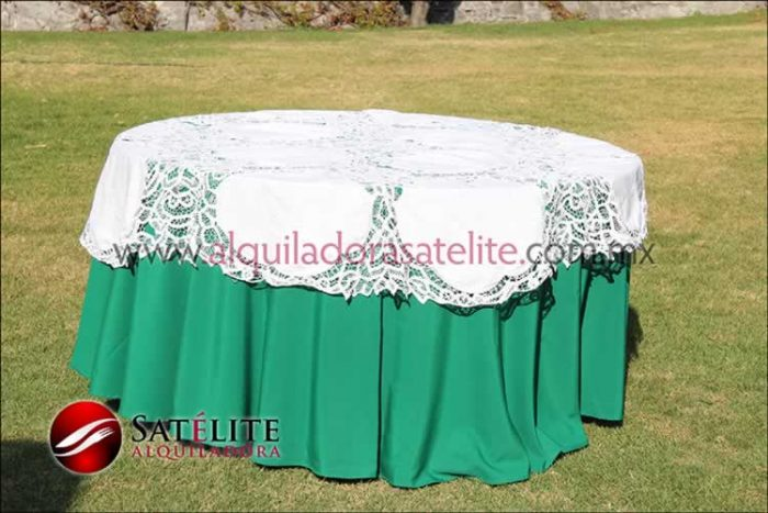 Mantel redondo verde bandera brujas 1