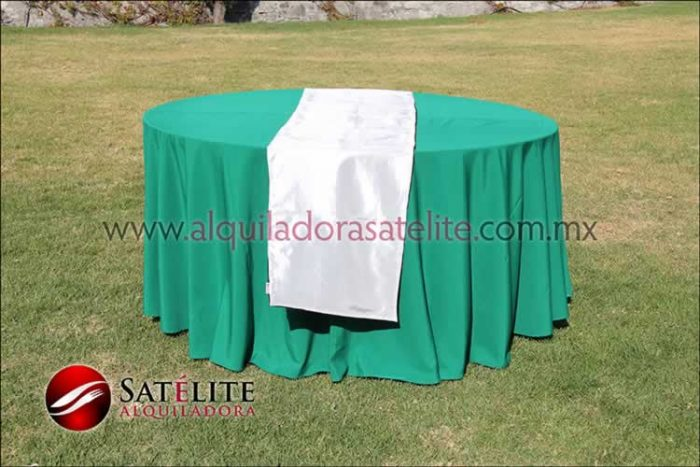 Mantel redondo verde bandera camino blanco