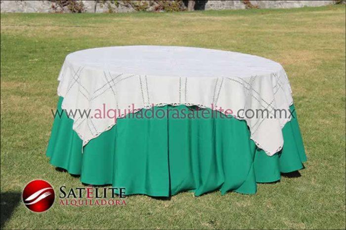 Mantel redondo verde bandera deshilado beige