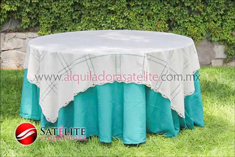 Mantel redondo verde jade deshilado beige