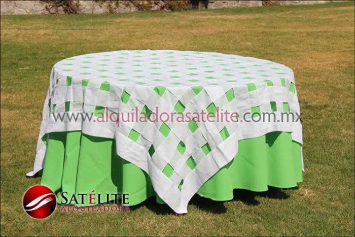 Mantel redondo verde limón entrelazado blanco