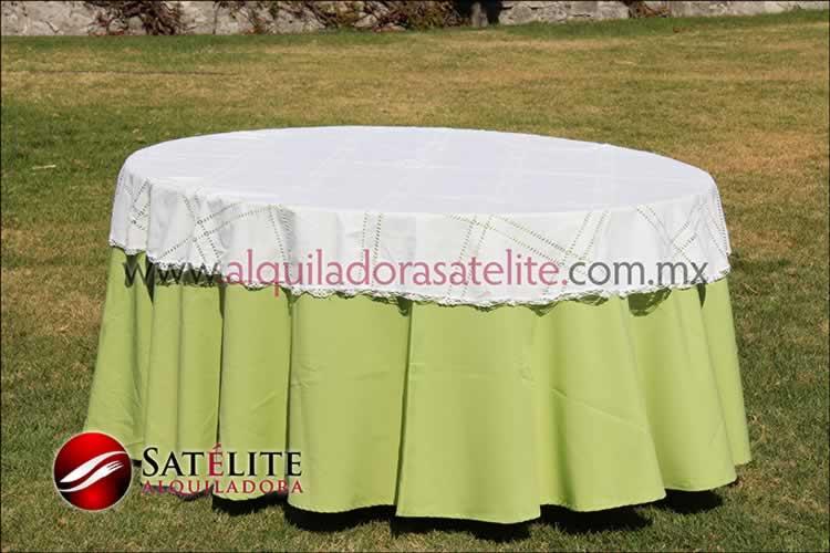 Mantel redondo verde manzana deshilado blanco