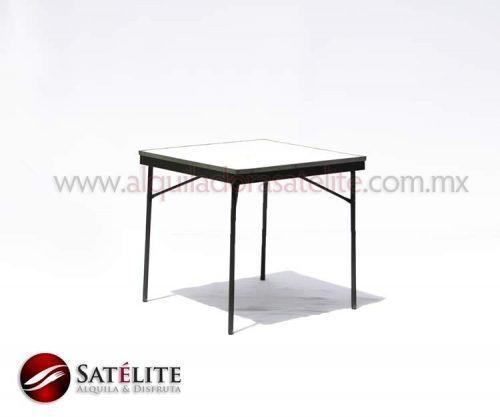 Mesa cuadrada de 75 cm para 4 personas