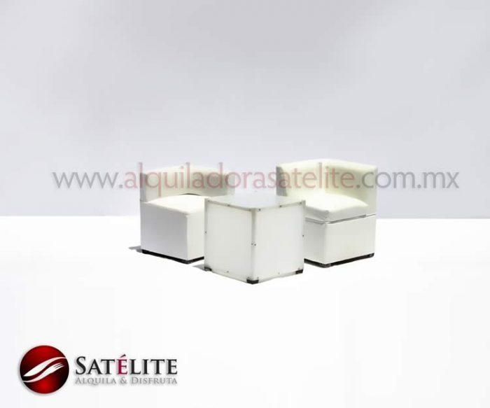 Taburetes con respaldo y mesa acrílica